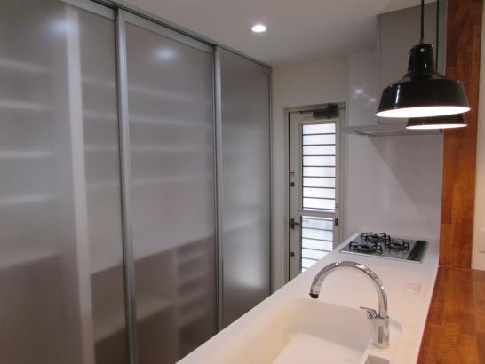 大工造作による、使いやすいキッチン収納。