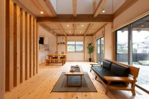 季節を問わず快適な「新潟の木の家の暮らし」
